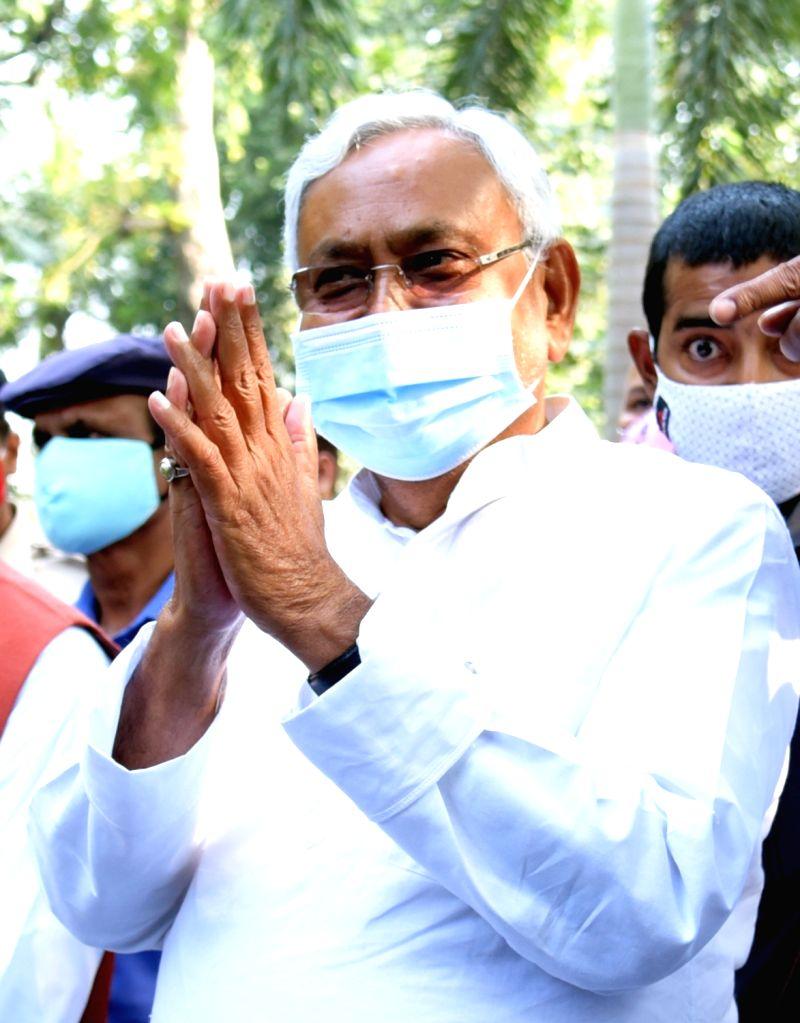Ahead of NDA meet, Nitish tenders resignation to Governor