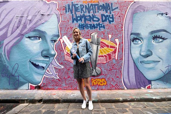Ahead of T20 WC, Ellyse Perry unveils Melbourne mural.