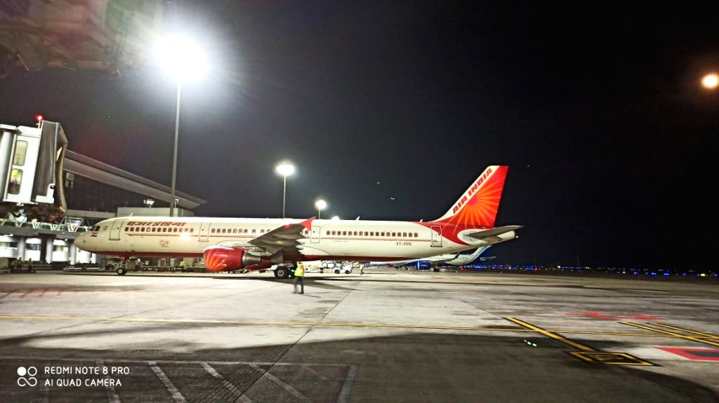 AI flight from Kuwait with 163 evacuees lands in Hyderabad. (Photo: Mohammed Shafeeq IANS)