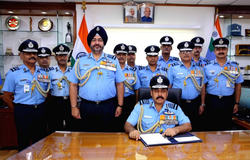 Air Chief Marshal Rakesh Kumar Singh Bhadauria takes over as 26th Chief of the Air Staff from outgoing Chief of the Air Staff Air Chief Marshal B.S. Dhanoa at Air Headquarters - Vayu ...