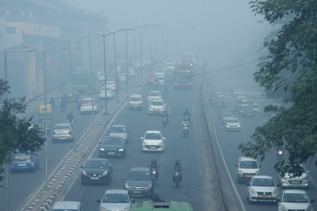 Air quality falls to 'very poor' category in Delhi-NCR. (Photo: IANS)