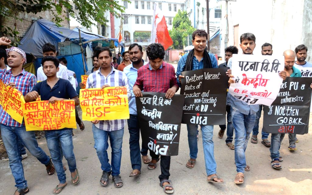 AISA activists stage a demonstration to press for their demands in Patna on Oct 14, 2017.