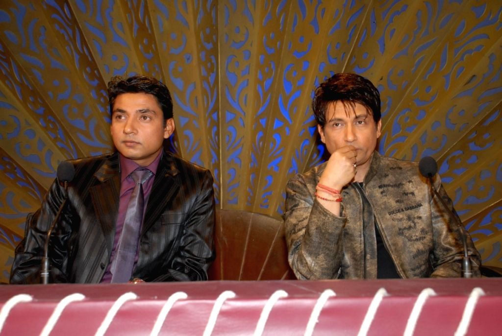 Ajay Jadeja and Shekhar Suman on the sets of Comedy Circus. - Shekhar Suman and Ajay Jadeja