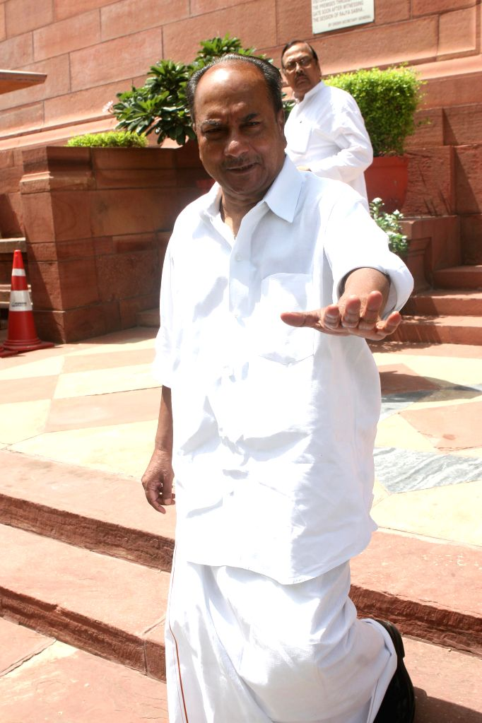 AK Antony to lead Cong poll campaign in Kerala