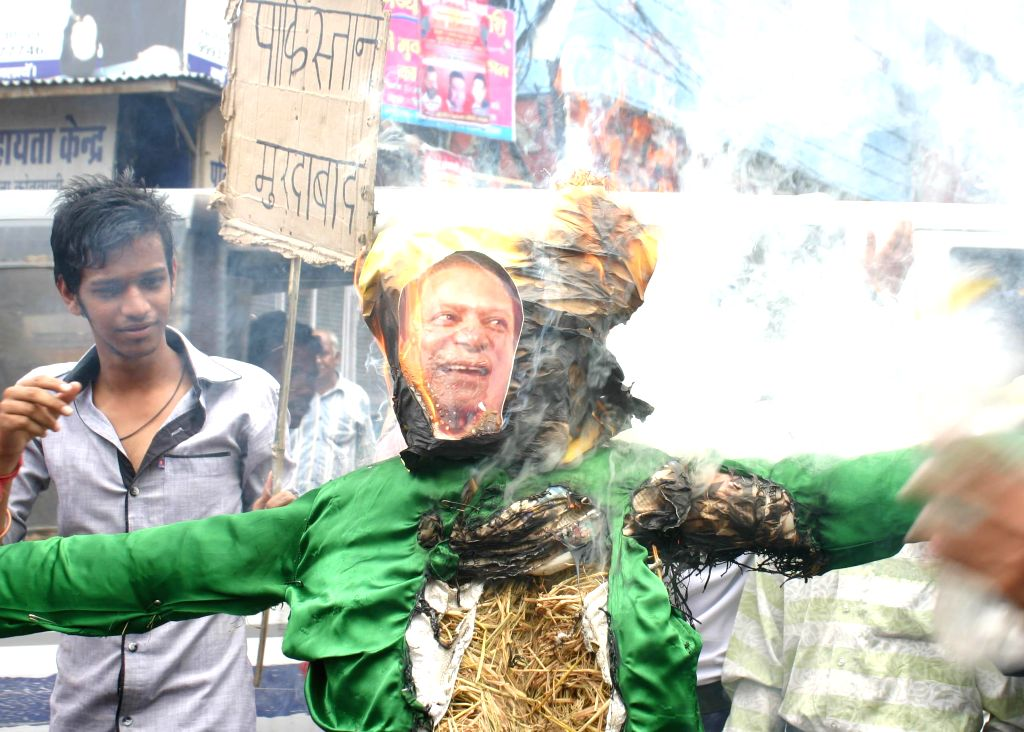 Akhanda Bharat Yuva Morcha (ABYM) members burns effigy of president of Pakistan Nawaz Sarif at Old city in Bhopal on Aug 23, 2014.