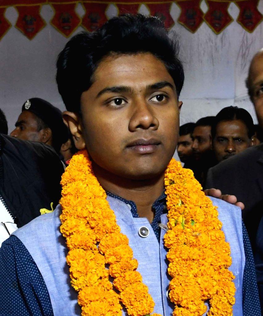 Akhil Bharatiya Vidyarthi Parishad's (ABVP) Raja Ravi after winning the post of joint secretary in Patna University Students Union (PUSU) elections, on Dec 6, 2018.