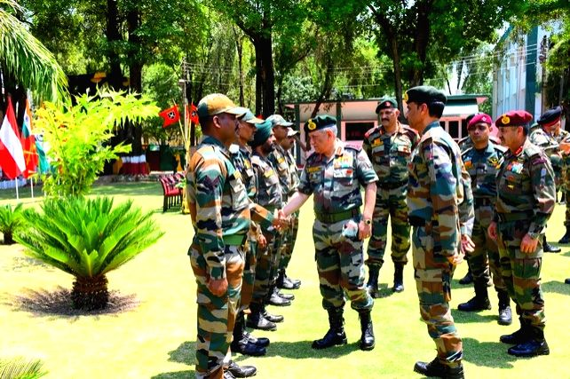 Akhnoor: Army Chief General Bipin Rawat during his visit to Jammu and Kashmir's Akhnoor sector on June 22, 2019. (Photo: IANS)