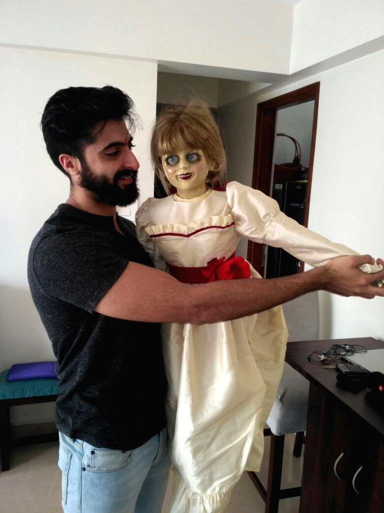 Akshay Oberoi and Nakuul Mehta with Annabelle - Nakuul Mehta