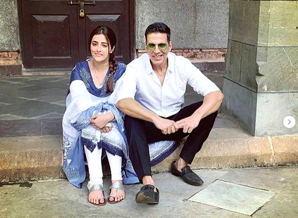 Akshay shoots with Kriti Sanon's sister for music video.