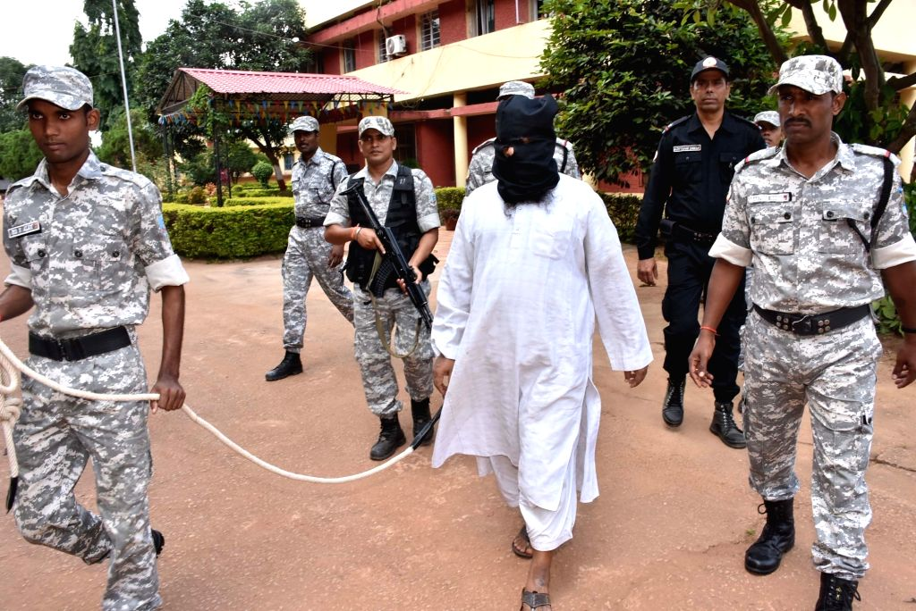 Al Qaeda terrorist Mohhamad Kalimuddin Mujahiri arrested by The Anti-Terrorism Squad (ATS) of Jharkhand Police from Azad Nagar, Mango area in Jamshedpur, arrives to be produced in a press ...