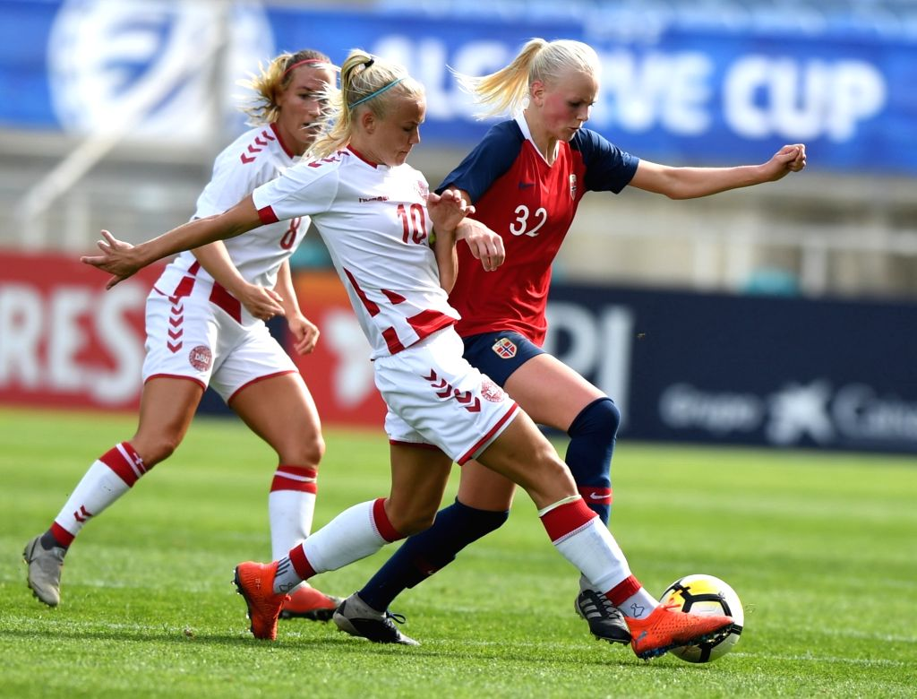 ALBUFEIRA, Feb. 28, 2019 - Karina Saevik (R) of Norway vies with Pernille Harder (C) and Theresa Nielsen of Denmark during the Group C first round match at the 2019 Algarve Cup women's football ...