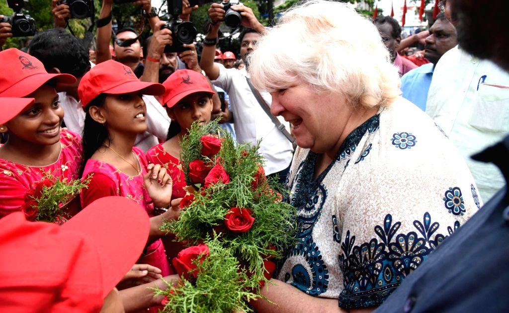 Aleida Guevara, daughter of Argentine Marxist revolutionary Che Guevara, being received in Kochi on Aug 2, 2019.