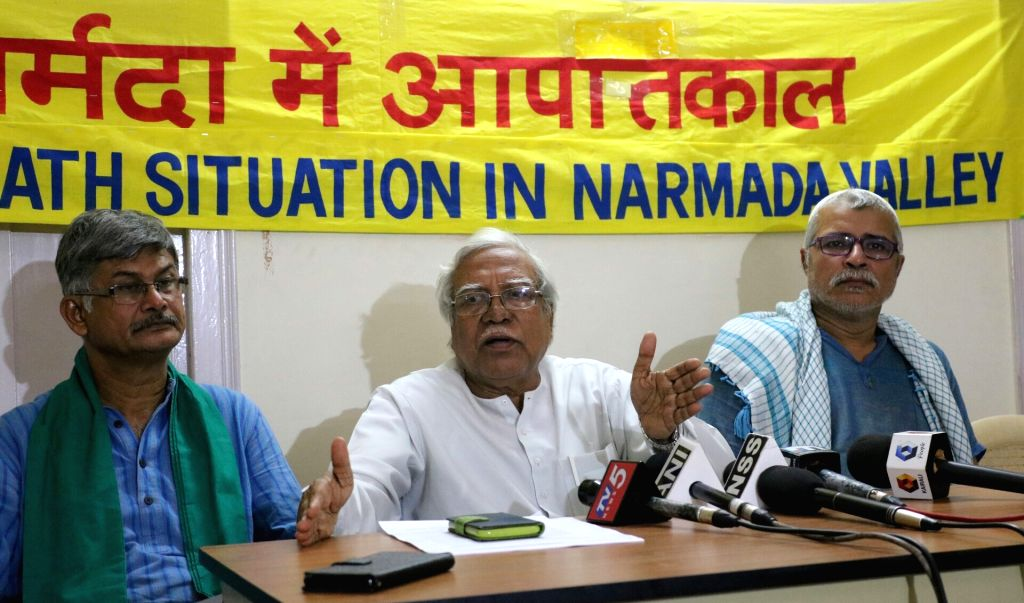 All India Kisan Sabha General Secretary Hannan Mollah and others during a press conference in New Delhi on May 30, 2017.