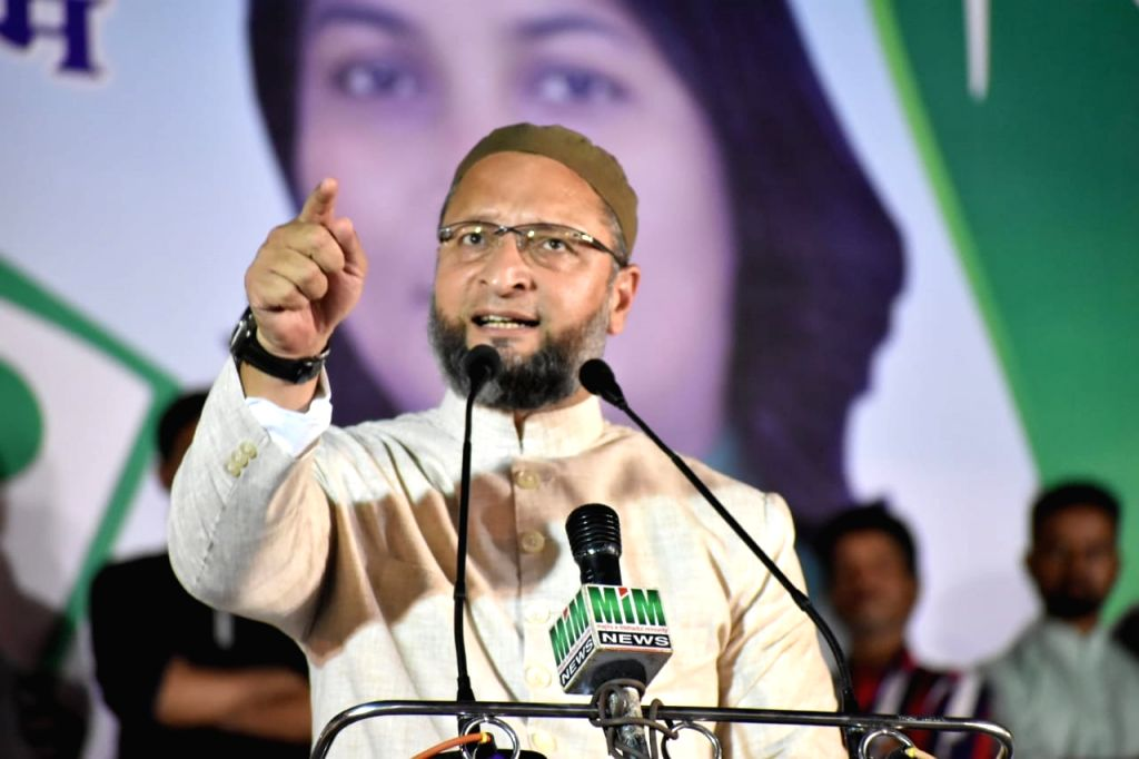 All India Majlis-e-Ittehadul Muslimeen Asaduddin Owaisi addresses a public rally in Nagpur ahead on Maharashtra Assembly polls on Oct 11, 2019.