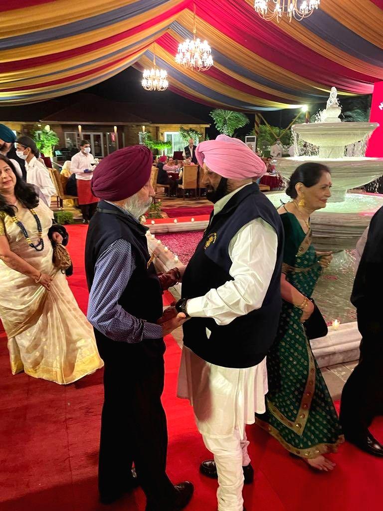 Amarinder Singh 'fauji' at heart!.(photo:Amarinder Singh twitter) - Amarinder Singh