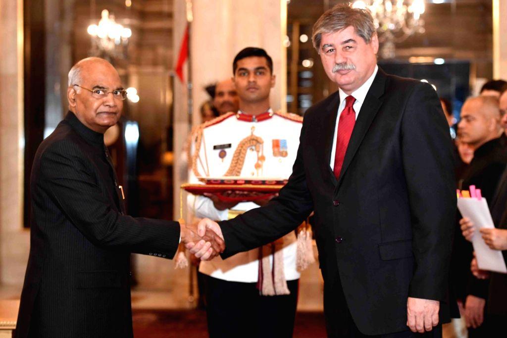 Ambassador-designate of Montenegro, Zoran Jankovic presents his credentials to President Ram Nath Kovind at Rashtrapati Bhavan in New Delhi, on March 13, 2019. - Nath Kovind