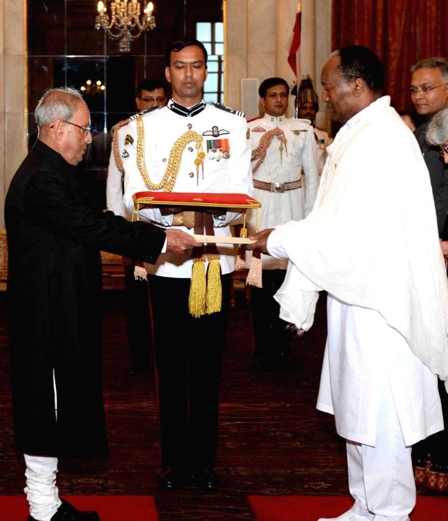 Ambassador-Designate of the Federal Democratic Republic of Ethiopia, Asfaw Dingamo Kame presents his credentials to the President Pranab Mukherjee, at Rashtrapati Bhavan, in New Delhi on ... - Pranab Mukherjee