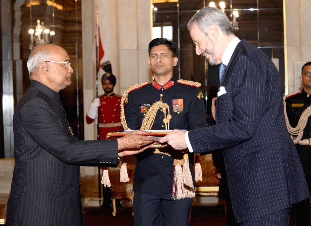Ambassador-designate of the Federative Republic of Brazil Andre Aranha Correa Do Lago presents his credentials to the President Ram Nath Kovind at Rashtrapati Bhavan, in New Delhi on Dec ... - Nath Kovind