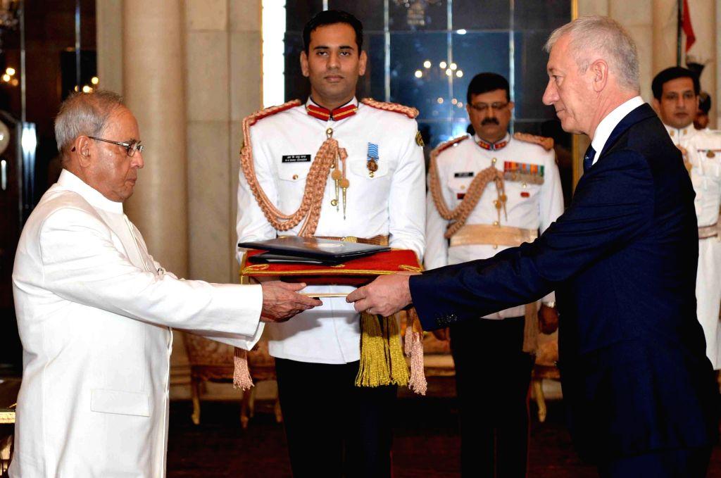 Ambassador-designate of the Republic of Slovenia Jozef Drofenik presents his credential to President Pranab Mukherjee, at Rashtrapati Bhavan, in New Delhi on Nov 13, 2015. - Pranab Mukherjee