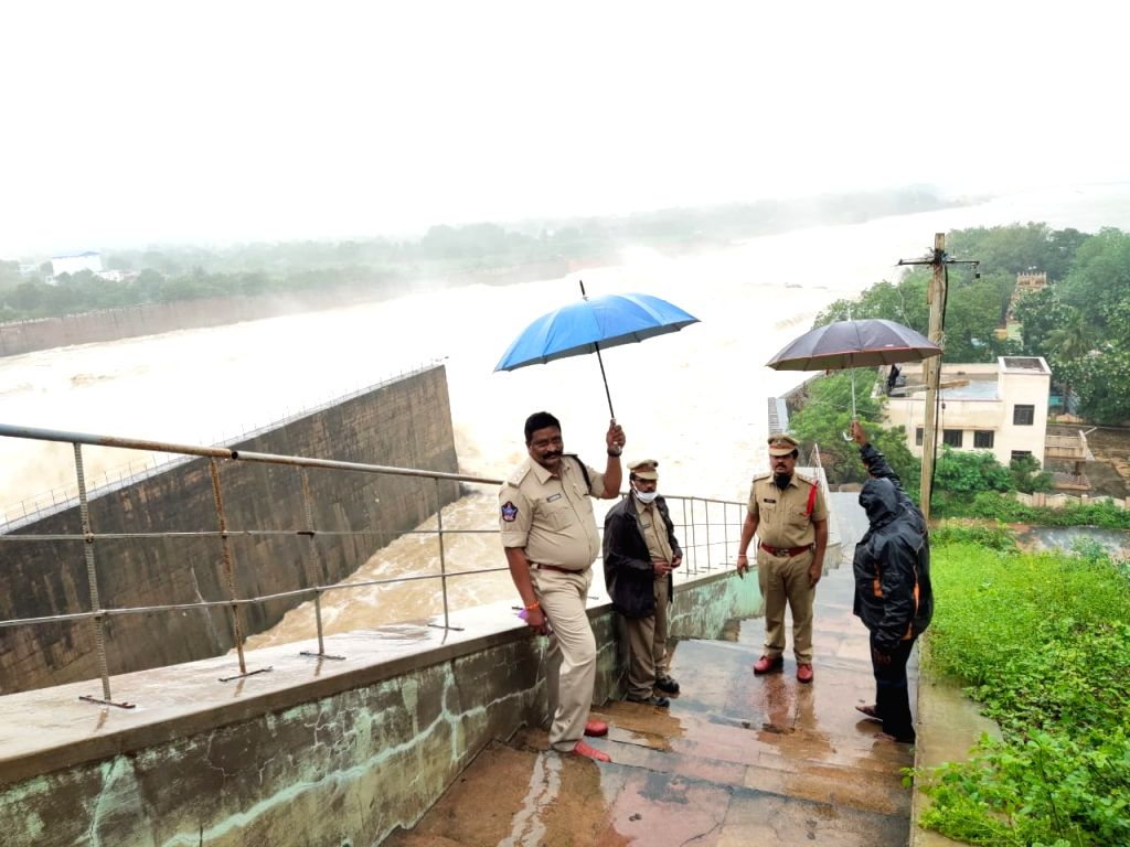 Amid back-to-back cyclones, Andhra police rise up to occasion.