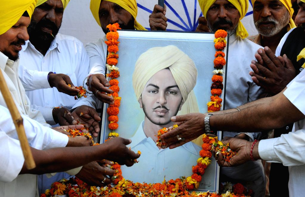 -. Activists of All India Anti Terrorist Front during a rally on the eve of death anniversary of  Shaheed Bhagat Singh in Amritsar on March 22, 2015. - Bhagat Singh