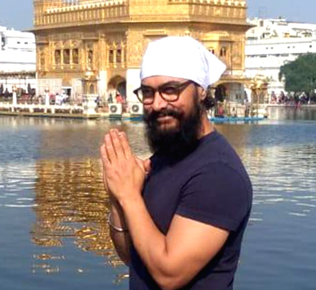 Amritsar: Actor Aamir Khan pays obeisance at the Golden Temple in Amritsar on Nov 30, 2019. (Photo: IANS) - Aamir Khan