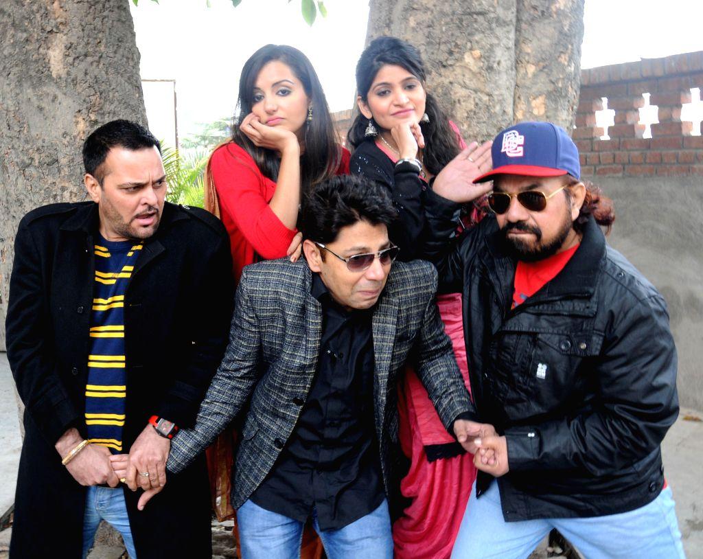 Actors B N Sharma, Garry Waraich, Gurchet Chitarkar, Nancy Johal and Sumandeep during promotion of their upcoming film `Cross Connection` in Amritsar, on Dec 21, 2014. - B N Sharma, Garry Waraich, Gurchet Chitarkar, Nancy Johal and Sumandeep