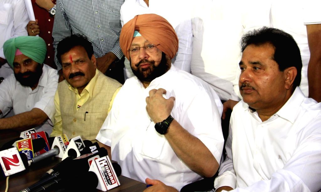 Congress MP Captain Amarinder Singh addresses a press conference in Amritsar, on April 28, 2015.