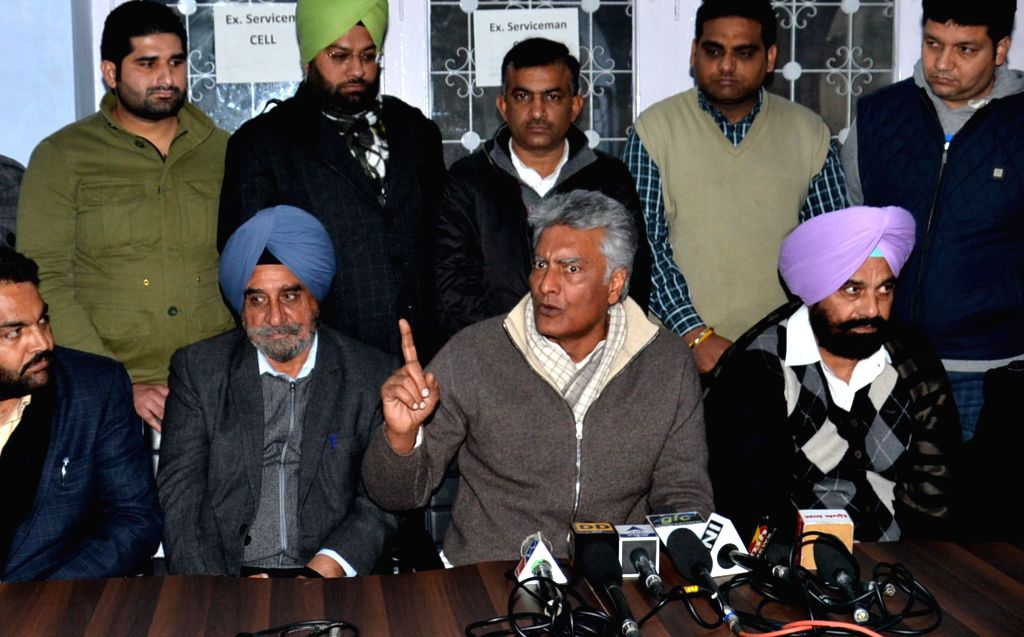 Leader of Opposition in Punjab Assembly  Sunil Jakhar addresses a press conference in Amritsar on Jan 4, 2015.