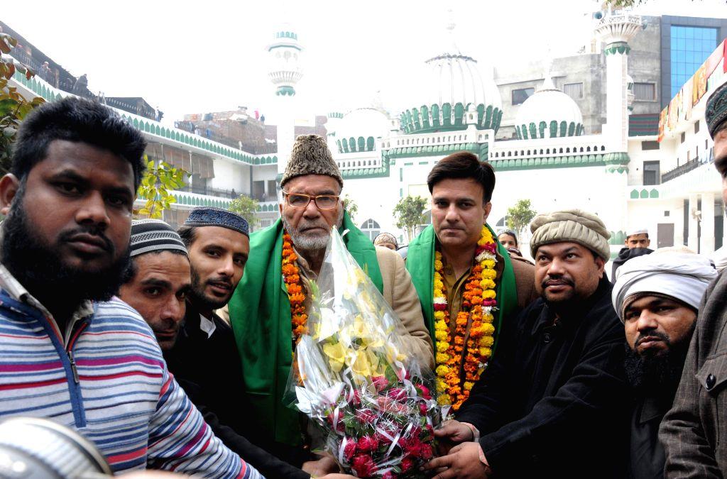 Pakistan Muslim League leader M Hamza visits the historical Jama Masjid Khairuddin before returning back to Pakistan, in Amritsar on Jan 12, 2015.