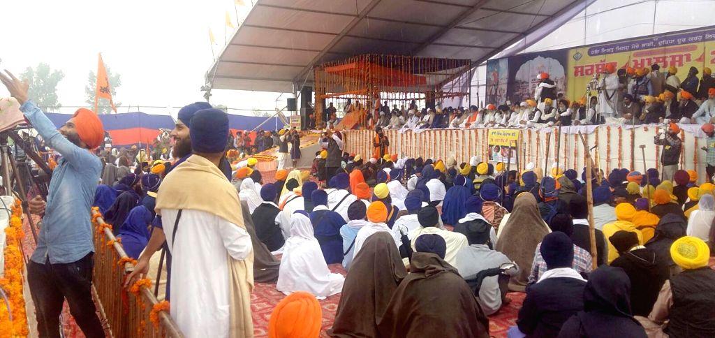 ":Amritsar: Sikhs participate in ""Sarbat Khalsa"" in Chaba village near Amritsar on Nov 10, 2015. (Photo: IANS)."