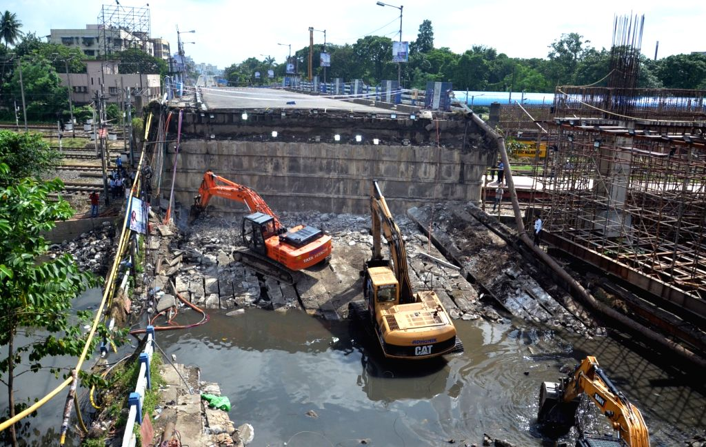 An aerial view of the site where a portion of the Majerhat bridge had collapsed, in Kolkata on Sept 8, 2018.