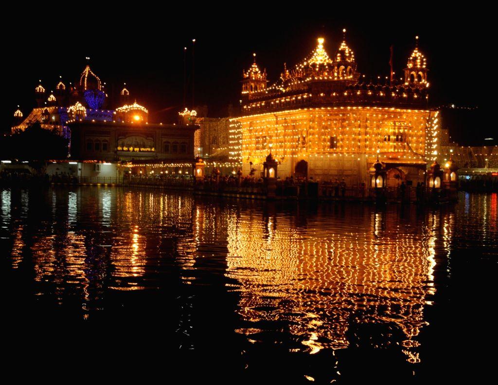An illuminated Golden Temple on the eve of Diwali in Amritsar on Oct 29, 2016.
