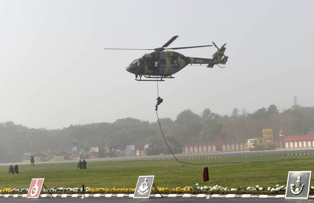 An Indian Army soldier shows his skills during Army Day celebrations in New Delhi on Jan 15, 2018.
