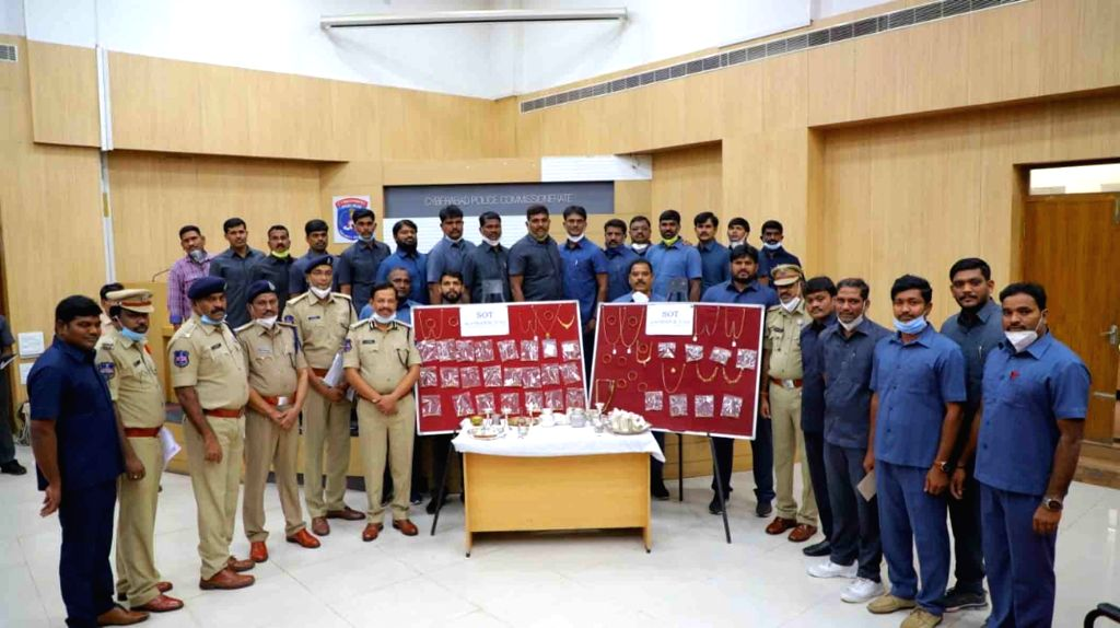 An interstate burglar involved in 18 property offences was arrested by the Cyberabad police and stolen property worth Rs. 70 lakh was recovered from him, in Hyderabad on July 4, 2020. The ...