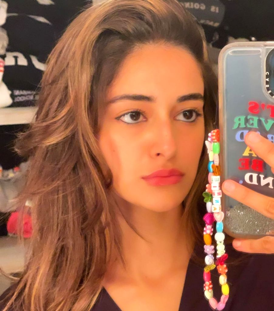 Ananya Panday is in caption dilemma.(photo:instagram)