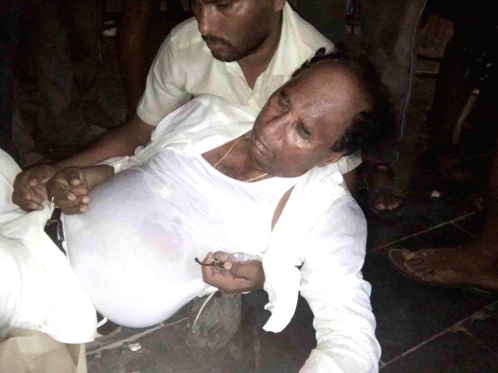 Andhra Pradesh Assembly Speaker Kodela Siva Prasada Rao was allegedly attacked by YSR Congress party supporters in Guntur district of Andhra Pradesh amid voting for the first phase of 2019 ... - Kodela Siva Prasada Rao