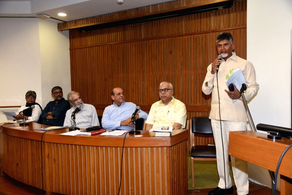 Andhra Pradesh Chief Minister and TDP supremo N. Chandrababu Naidu addresses at a meeting with Loktantrik Janata Dal (LJD) leader Sharad Yadav at his residence in New Delhi, on May 18, ... - N. Chandrababu Naidu and Sharad Yadav