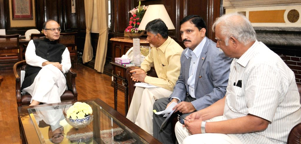 Andhra Pradesh Chief Minister N. Chandrababu Naidu calls on Union Minister for Finance, Corporate Affairs, and Information and Broadcasting Arun Jaitley   in New Delhi on July 1, 2016. ... - N. Chandrababu Naidu and Arun Jaitley