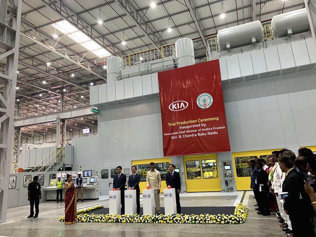 Andhra Pradesh Chief Minister N. Chandrababu Naidu, South Korean Ambassador Shin Bongkil, Kia Motors Corp President and CEO Han-Woo Park and Kia Motors India MD and CEO Kookhyun Shim during trial production ceremony at Anantapur plant of Kia Motors i - N. Chandrababu Naidu