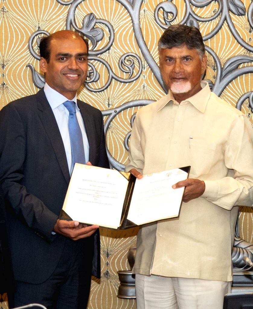 Andhra Pradesh Chief Minister N Chandrababu Naidu with HP Inc India Managing Director Sumeer Chandra. - N Chandrababu Naidu
