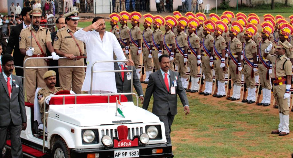Andhra Pradesh Chief Minister N. Kiran Kumar Reddy inspecting the Guard of Honour on the occasion of the 67th Independence Day, at Secunderabad parade ground on August 15, 2013. (Photo::: IANS)