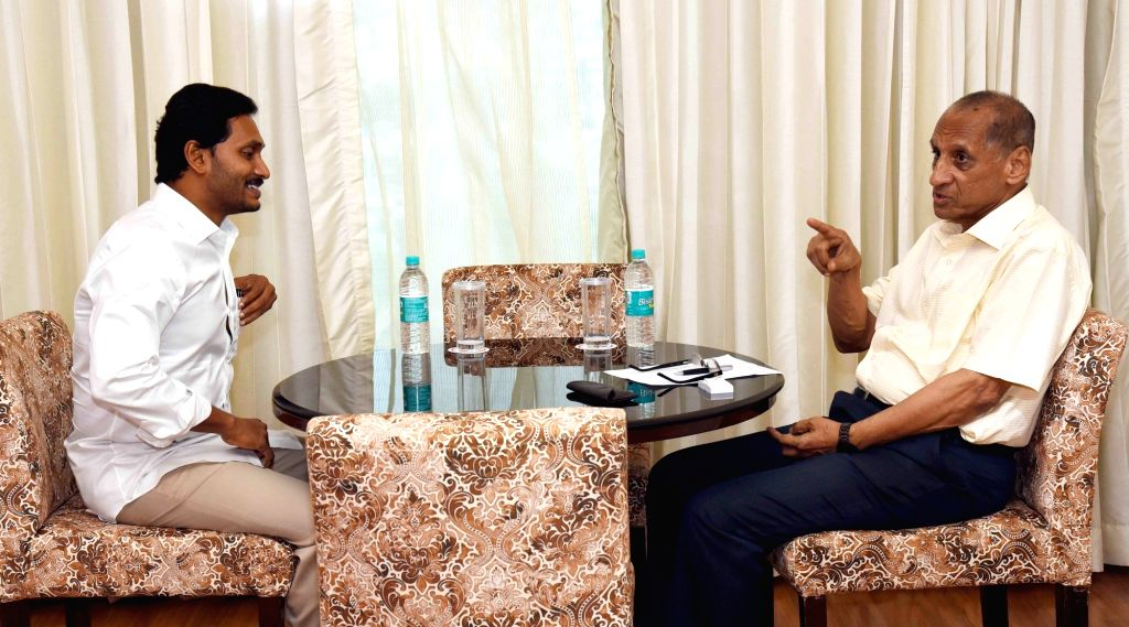 Andhra Pradesh Chief Minister Y. S. Jagan Mohan Reddy calls on Governor E. S. L. Narasimhan, in Hyderabad on June 7, 2019. - Y. S. Jagan Mohan Reddy
