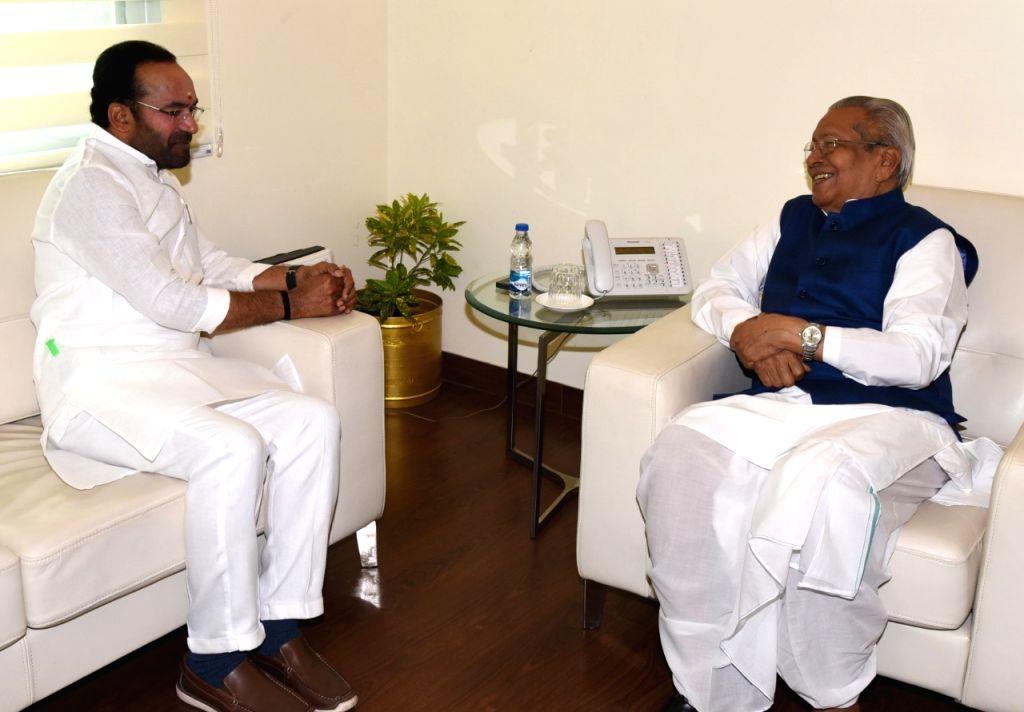 Andhra Pradesh Governor Biswabhusan Harichandan meets Union MoS Home Affairs G. Kishan Reddy, in New Delhi on Aug 9, 2019.