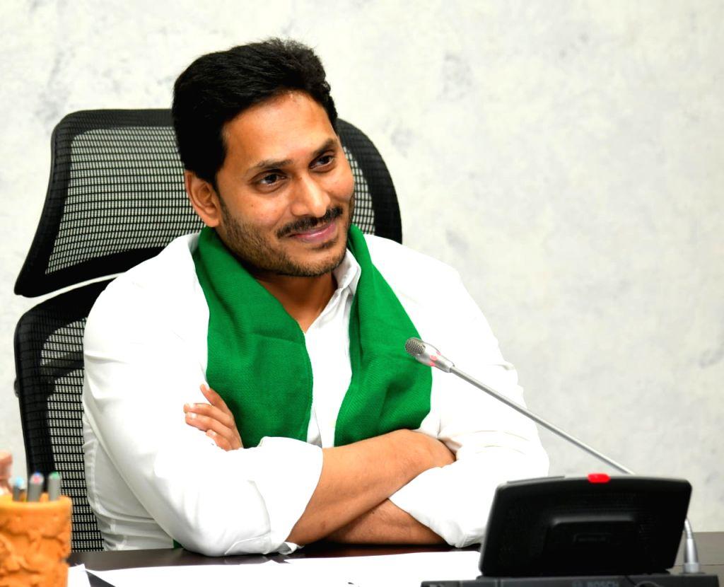 Andhra's Rs 2k crore YSR Jala Kala to drill 2 lakh free borewells - AP