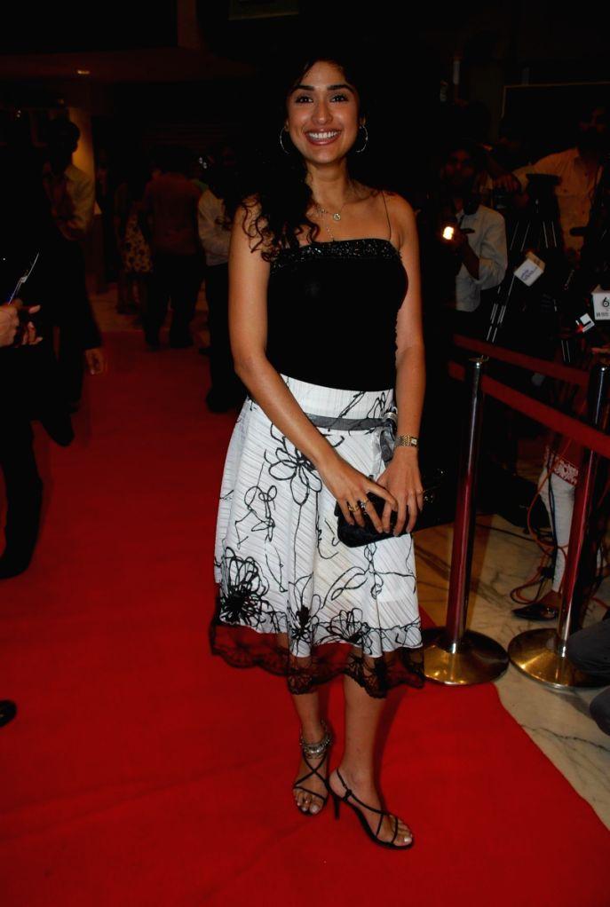 "Anjala Jhaveri at the ""Aloo Chat"" film premiere."