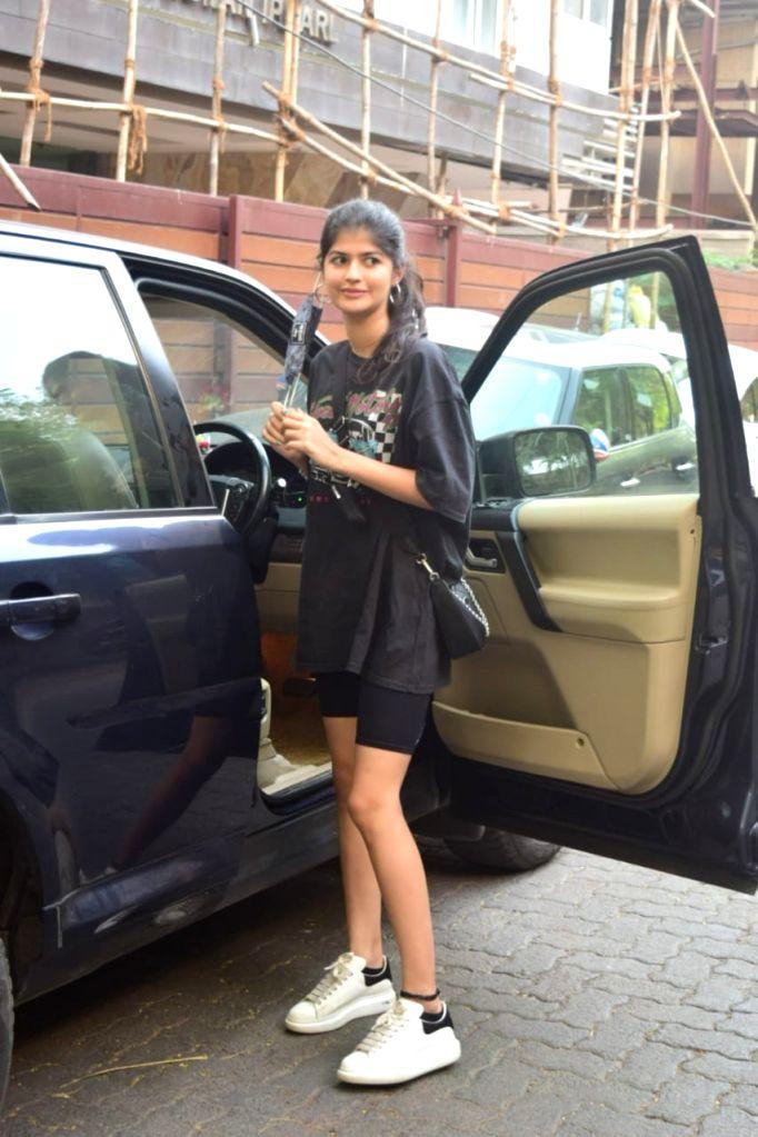Anjini Dhawan seei in Mumbai's Juhu on November 29, 2020.