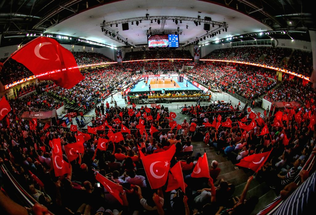 ANKARA, Sept. 5, 2019 - Photo taken on Sept. 4, 2019 shows the quarterfinal match between Turkey and the Netherlands at 2019 Women's European Volleyball Championship in Ankara, Turkey.