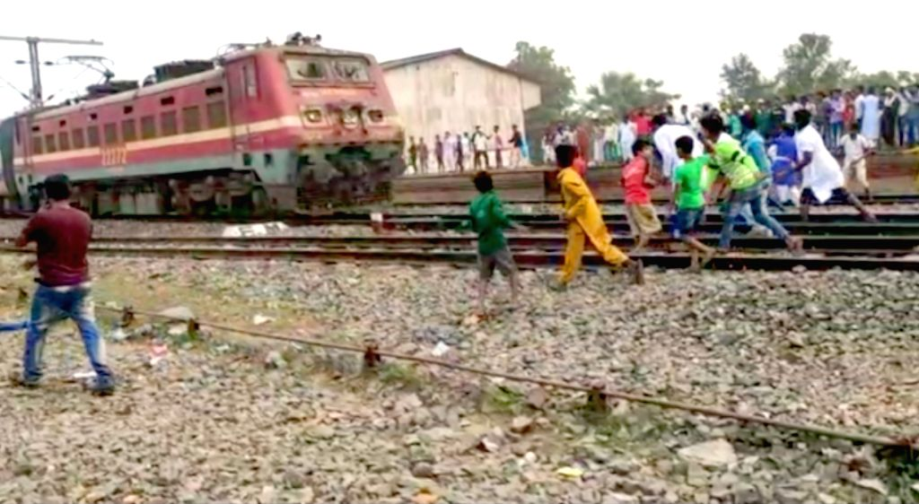 Anti-CAA protesters torch railway stations in Bengal.