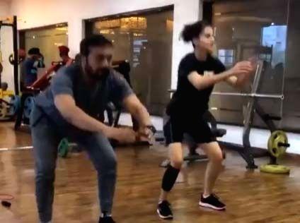 Anurag Kashyap to Taapsee: 'Tum bahut hi kharaab ho'. - Anurag Kashyap